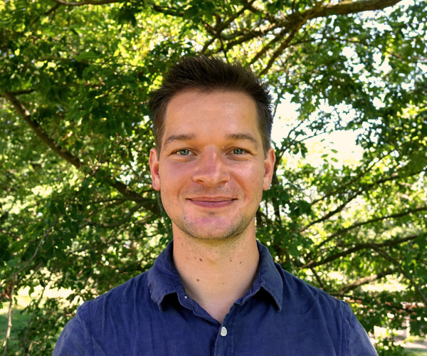 Rob Lubberink Postdoctoral Researcher at Wageningen University & Research / Project Manager at OSMARE, outdoors in front of trees